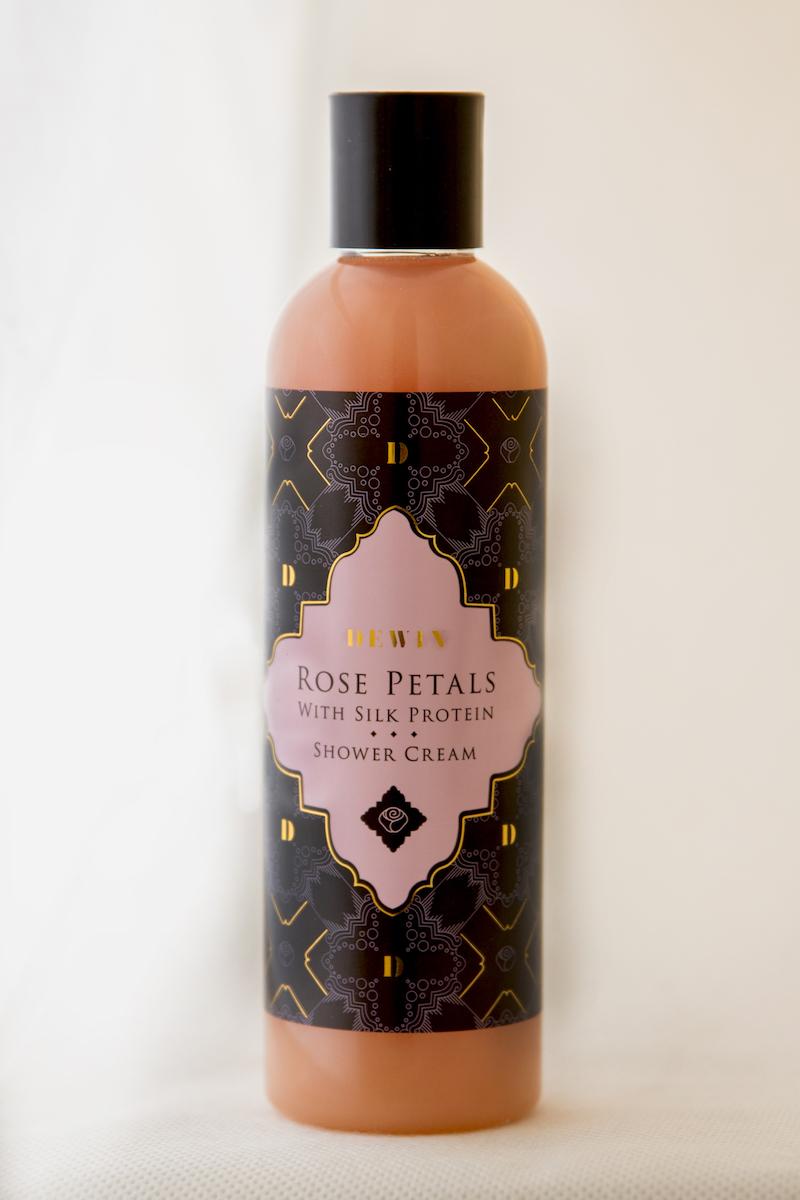 Rose_Petals_Shower_Cream_socialandbusiness8