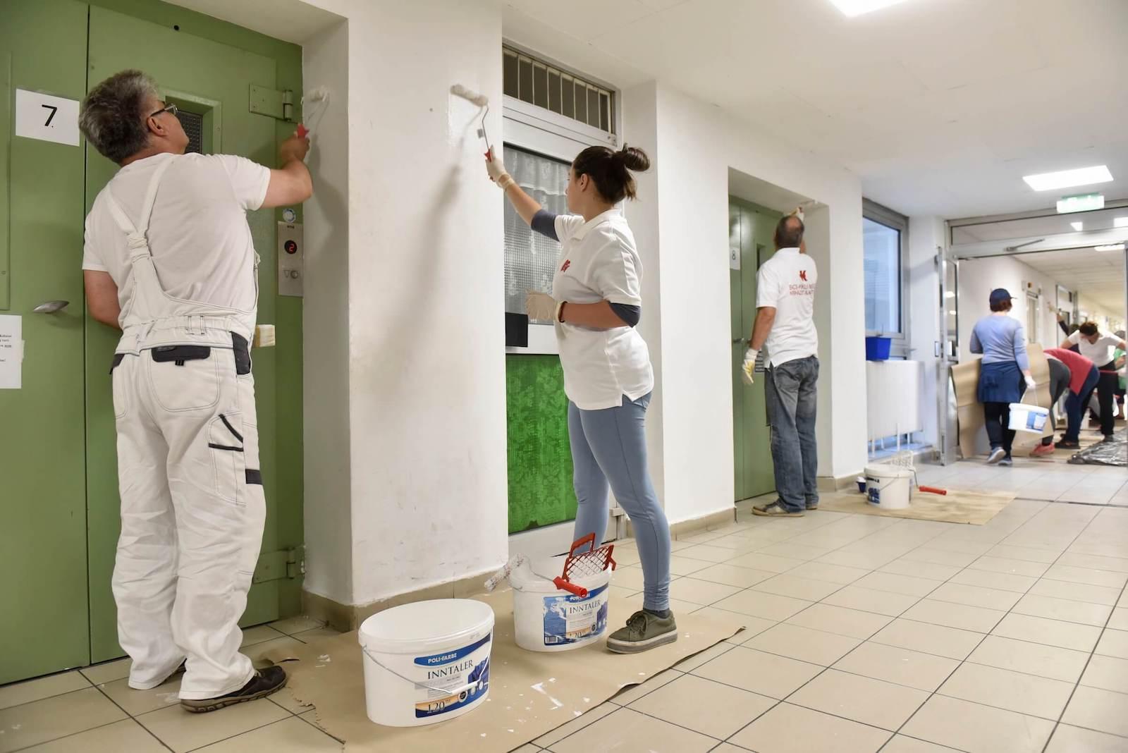 Kórházakat színezett a Poli-Farbe
